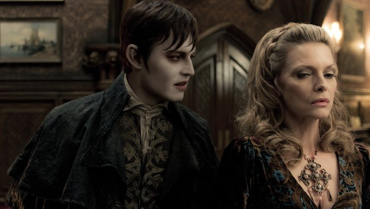 Dark Shadows - Trailer Poster