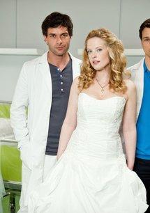 Doctor's Diary - Männer sind die beste Medizin: Skandal! Hochzeitsnacht zu dritt