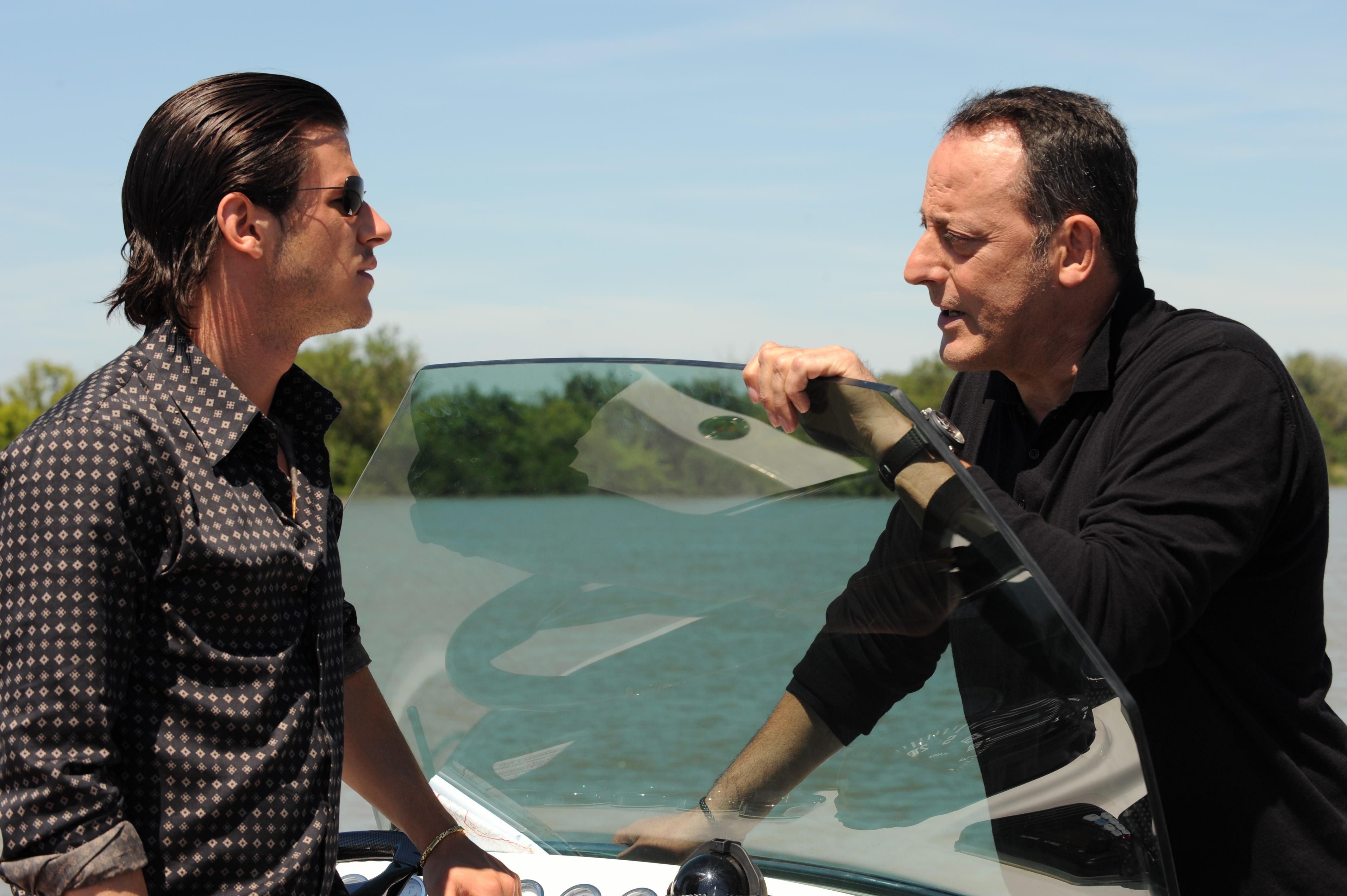 Ein Enger Kreis Film 2009 Trailer Kritik Kinode
