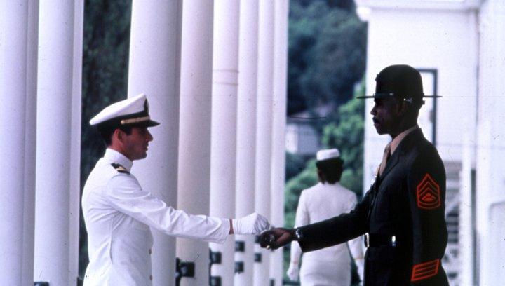 Ein Offizier und Gentleman - OV-Trailer Poster