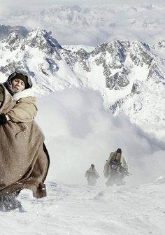Flucht durch die Berge Poster