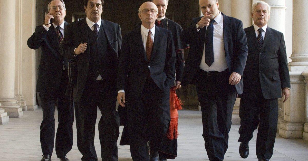 Il divo film 2008 trailer kritik for Divo film