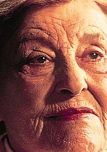 Marianne Hoppe - Die Königin