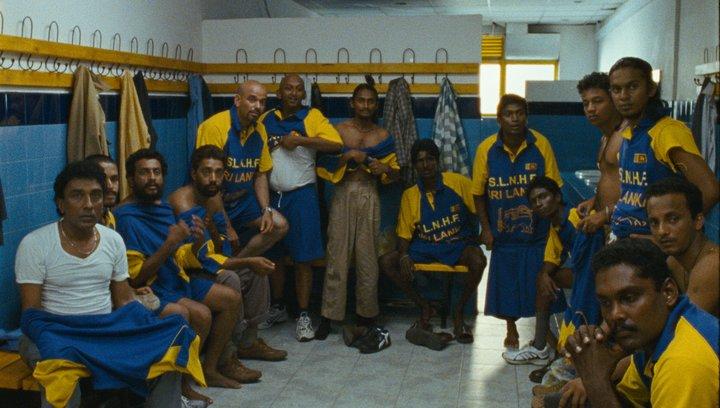 Spiel der Träume - Die wahre Geschichte eines falschen Teams - Trailer Poster