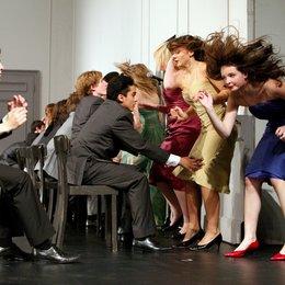 Tanzträume - Jugendliche tanzen KONTAKTHOF von Pina Bausch - Trailer Poster