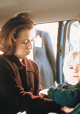 The X-Files 10 - Christmas Carol/Emily