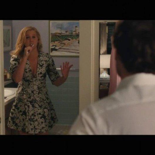 Amy diskutiert mit Aaron über Oralsex - Szene Poster