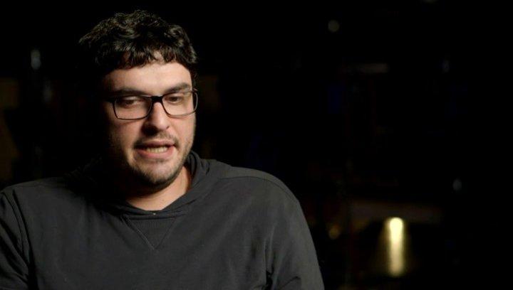 Josh Trank über seine Hoffnungen für das junge Publikum - OV-Interview Poster