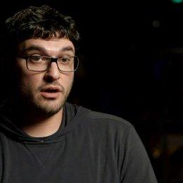 Josh Trank über die Identifikation mit den Charakteren - OV-Interview Poster