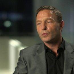 Thomas Kretschmann darüber John Smith als netten Typen kennen zu lernen - OV-Interview Poster