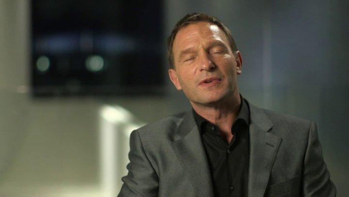 Thomas Kretschmann darüber den Bösen zu spielen - OV-Interview Poster