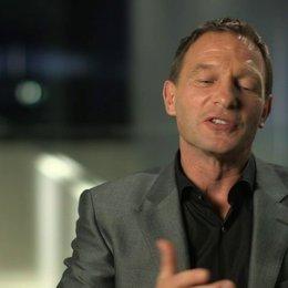 Thomas Kretschmann darüber dass es Spaß macht seine Rolle zu spielen - OV-Interview Poster