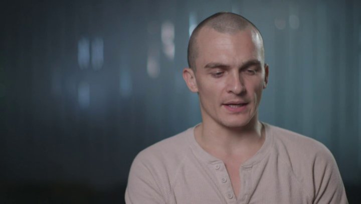 Rupert Friend über seine Rolle - OV-Interview Poster
