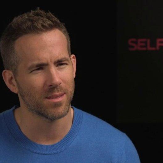 Ryan Reynolds - junger Damian - über Ben Kingsley - OV-Interview Poster