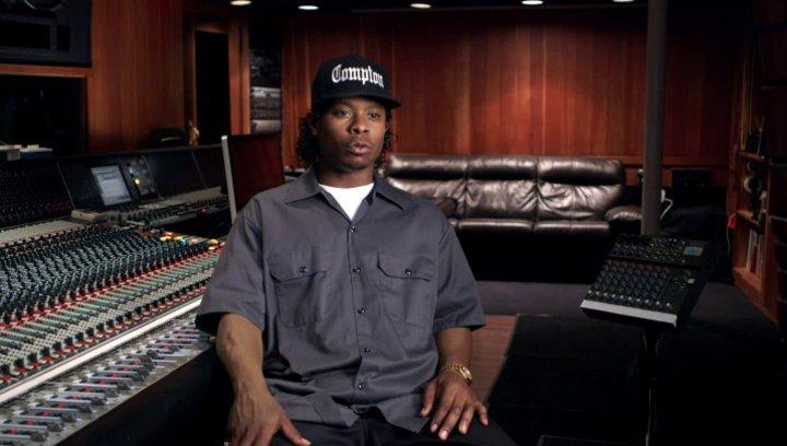 Jason Mitchell über die Beziehung von Eazy und Ice Cube - OV-Interview Poster