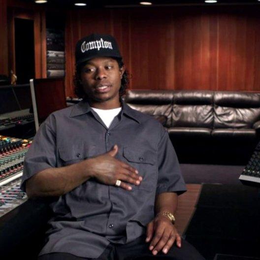 Jason Mitchell über das Treffen und die Zusammenarbeit mit Ice Cube und Dr Dre - OV-Interview Poster