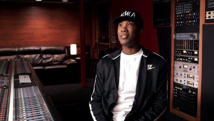 Corey Hawkins über seine Vorbereitungen um Dr Dre darzustellen - OV-Interview Poster