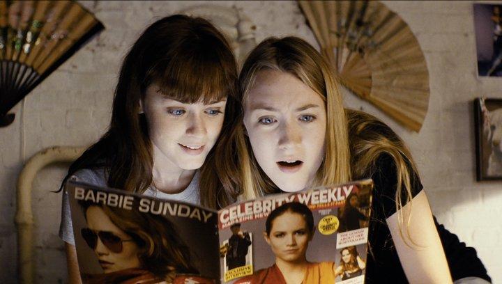 Violet & Daisy - Trailer Poster