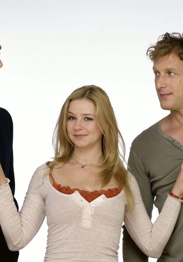 Zwei Engel für Amor (1. Staffel, 16 Folgen) Poster