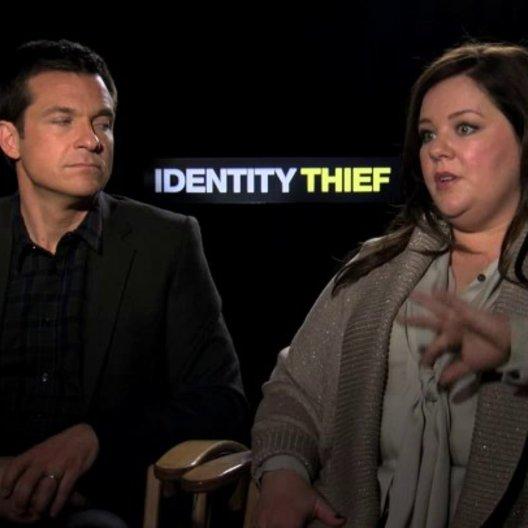 Jason Bateman und Melissa McCarthy über die Herzlichkeit des Films - OV-Interview