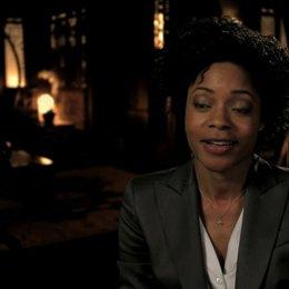 Naomie Harris über ihre Freude darüber an einem BOND Film mitwirken zu dürfen - OV-Interview