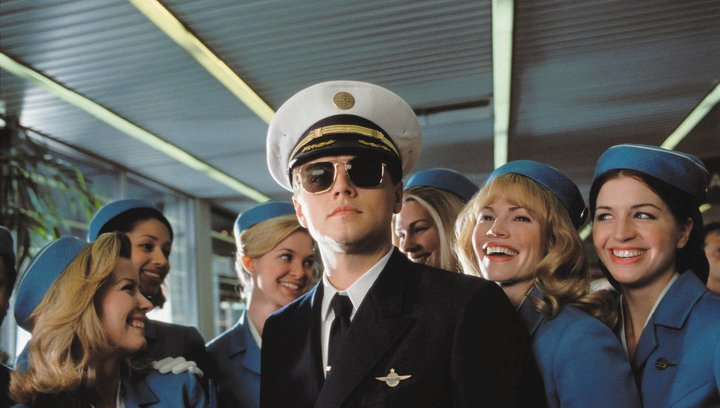 Catch Me If You Can - Trailer Poster