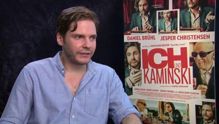 Daniel Brühl über den Cast - Interview Poster