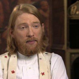 Domhnall Gleeson über über Levins Freundschaft zu Oblonskij - OV-Interview