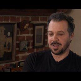 Edward Zwick über Josh Gad - OV-Interview