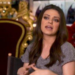 Mila Kunis (Theodora) darüber wie sie sich mit ihrer Rolle identifiziert - OV-Interview