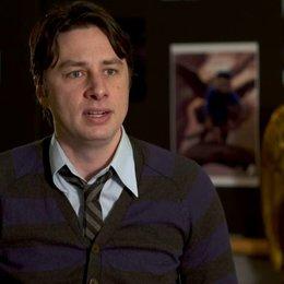 Zach Braff (Frank und Finley) darüber eine animierte Rolle mit live Schauspielern zu spielen - OV-Interview
