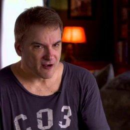 Shane Black - Regisseur - über die Zusammenarbeit mit Robert Downey Jr - OV-Interview