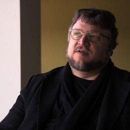 Guillermo del Toro über die unaufhaltbare mütterliche Liebe - OV-Interview