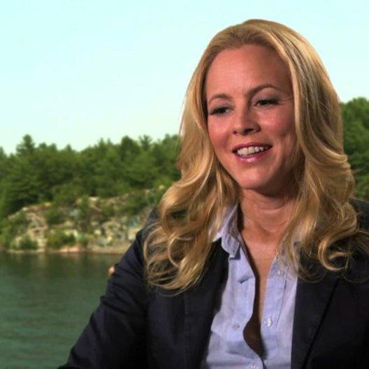 Maria Bello über Regisseur Dennis Dugan - OV-Interview