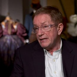 Gary Jones (Kostümdesigner) über die einzigartige Farbvielfalt im Film - OV-Interview