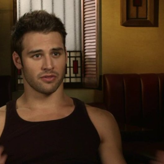 Ryan Guzman - Sean über die Story - OV-Interview