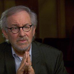 Steven Spielberg (Regisseur-Produzent) über den Film als ein Geschenk - OV-Interview