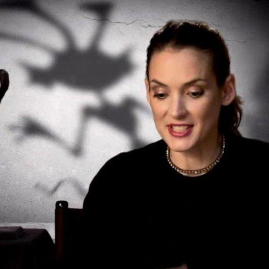 Winona Ryder - Elsa van Helsing - über die Gesangsaufnahmen - OV-Interview