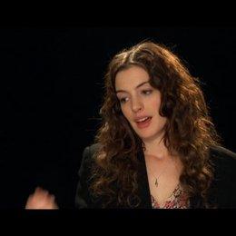 Anne Hathaway über Jamie und Maggie - OV-Interview