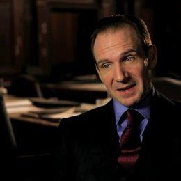 Ralph Fiennes über das was ihn an das Projekt herantrug - OV-Interview