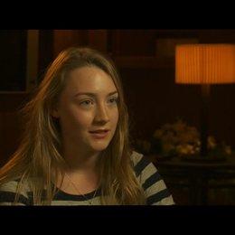 Saoirse Ronan ueber die Arbeit mit den anderen Schauspielern - OV-Interview