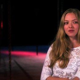 Amanda Seyfried über Tom Hooper - OV-Interview