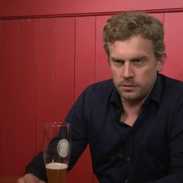 Sebastian Bezzel - Franz Eberhofer - über den Plot von Dampfnudelblues - Interview