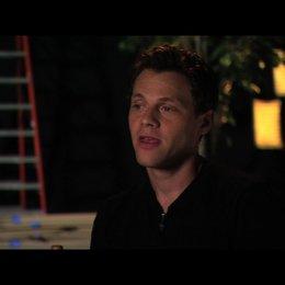 Will Gluck über Dreharbeiten im HOLLYWOOD Schild - OV-Interview