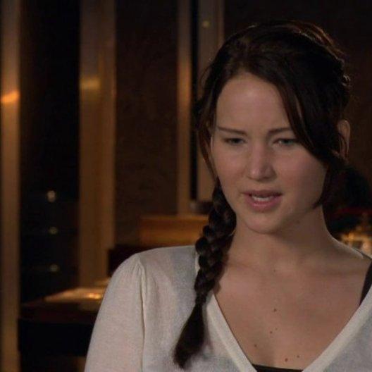 JENNIFER LAWRENCE -Katniss Everdeen- über das Treffen mit SUZANNE COLLINS - OV-Interview