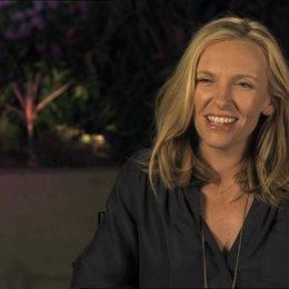 Toni Collette - Sarah - über die Beziehung von Sarah und Will - OV-Interview