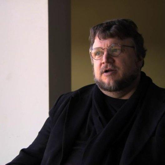 Guillermo del Toro über die Besetzung von Jessica Chastain - OV-Interview