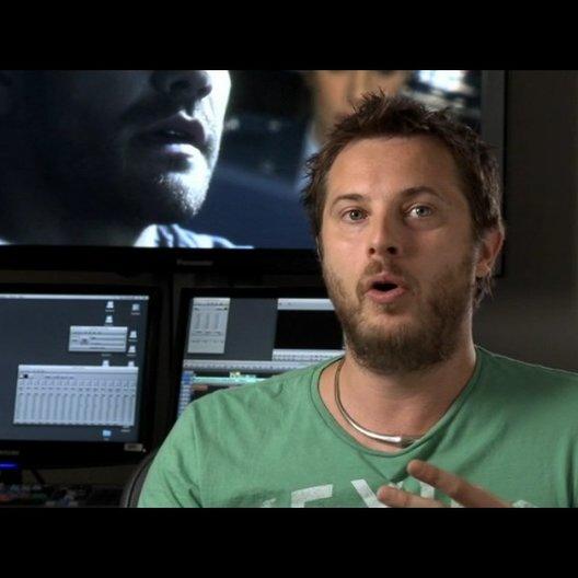 Duncan Jones (Regie) über den Humor und die Love-Story - OV-Interview