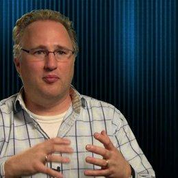 Adolph Lusinsky - Director of Look and Lightning - darüber alle Orte im Film unterschiedlich aussehen zu lassen - OV-Interview