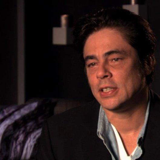 Benicio Del Toro über das Interesse des Kartells an Ben und Chon - OV-Interview